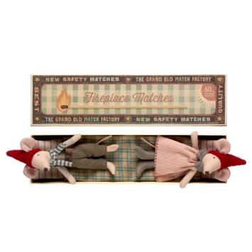 MAILEG Rodzina Myszek w pudełku - mama i tata, wersja świąteczna