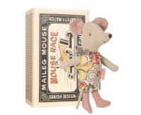 MAILEG Myszka w pudełeczku - mała siostrzyczka w kolorowej sukience